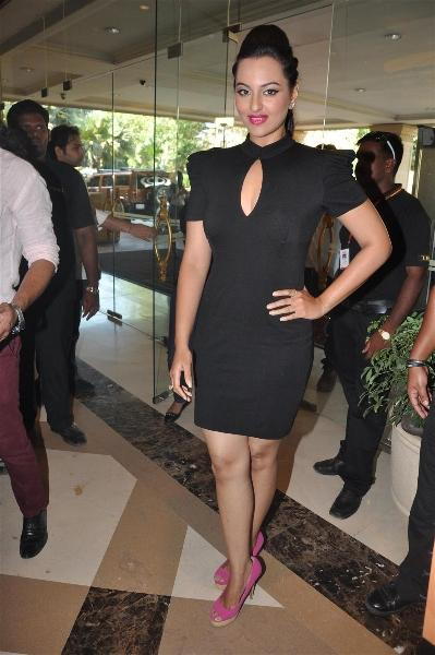 Sonakshi Sinha Spotted at The Press Meet Of IIFA