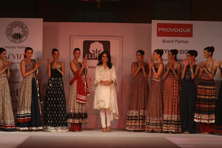 Anita Dongre With Models At The Cotton Fashion Show