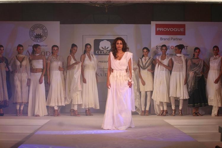 Jiah Khan Ramp Walk For Cotton Council Fashion Show
