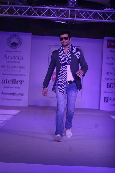 Rakesh Bapat Walk Ramp at Anita Dongre Cotton Council Fashion Show