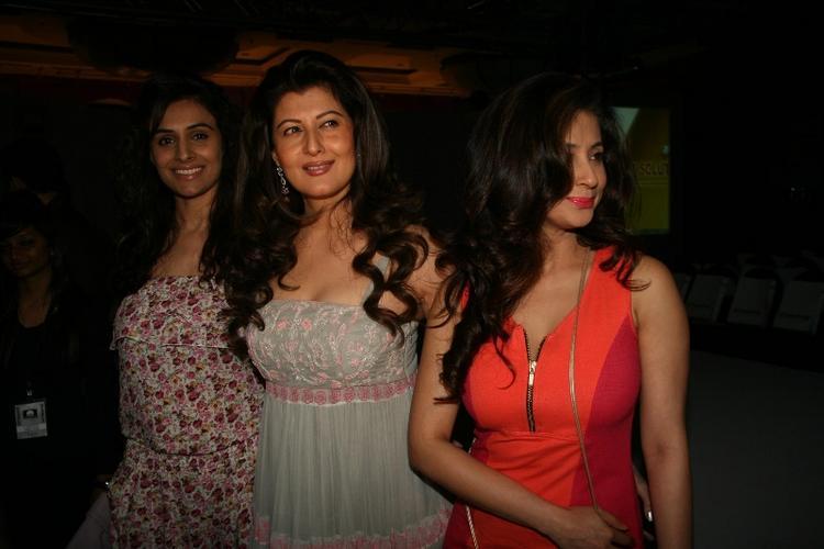 Urmila and Sangeeta Bijlani at Fashion Show Of Anita Dongre