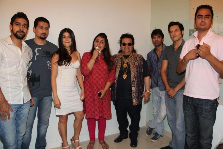 Shenaz,Barun,Danny,Kavi And Bappi At Mahurat Of The Film Mai Aur Mr Right