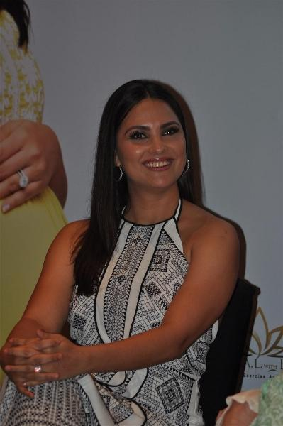 Lara Dutta Natural Smiling Pics