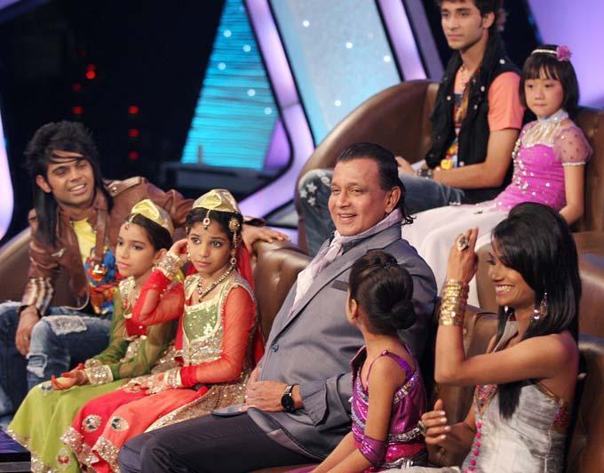 Mithun Chakraborty With Kids Smiling Pics
