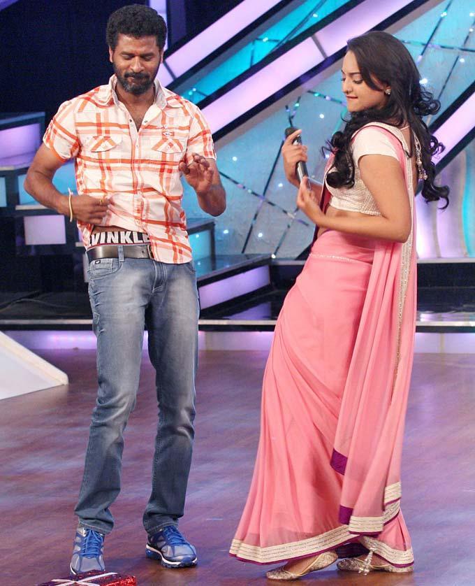 Sonakshi Sinha And Prabhu Deva Hot Dancing Pics
