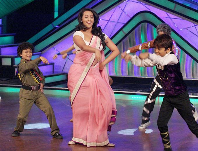Sonakshi Sinha Shakes A Leg With Kids