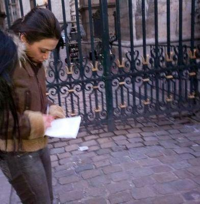 Hot Preity Zinta On The Sets of Ishq In Paris
