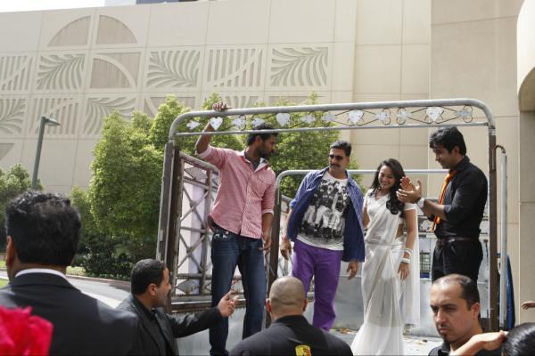 Akshay,Sonakshi And Prabhu Promote The Film On The Road