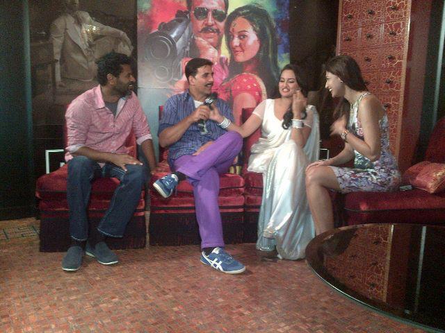 Akshay,Sonakshi,Prabhu At A Studio