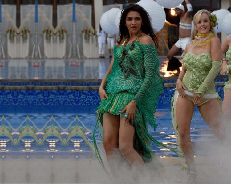 Deepika Padukone Green Dress Sexy Dance Still