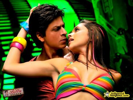 Hot Deepika and SRk in Billu Barber