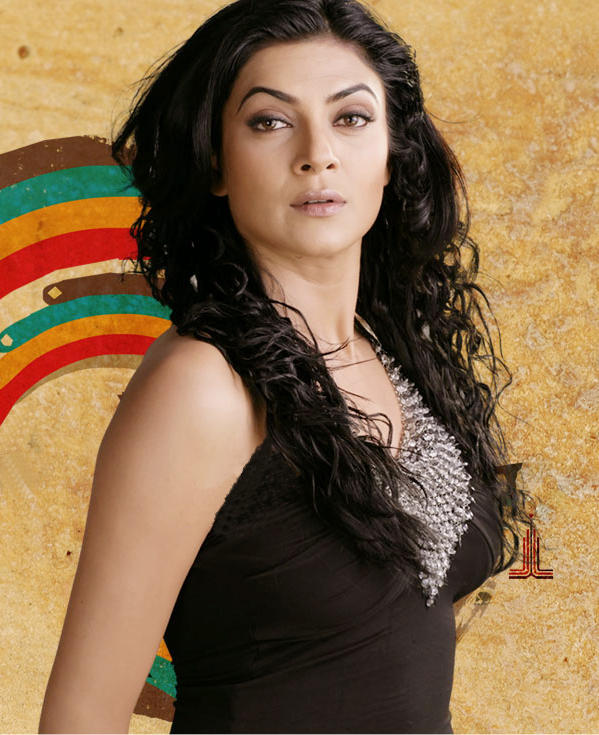 Sushmita Sen Spicy Look Wallpaper