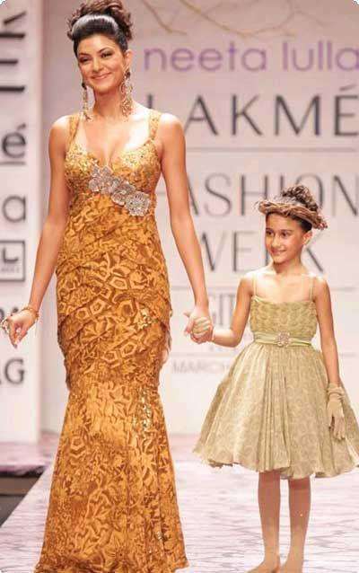 Sushmita Sen Walked The Ramp With Her Daughter Renee