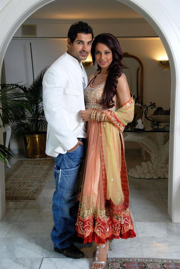 Bipasha and John Best Photo