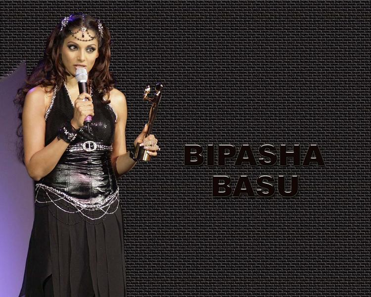 Bipasha Basu Latest Wallpaper In Black Dress