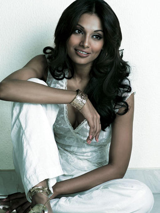 Bipasha Basu Senseous Look Photo Shoot