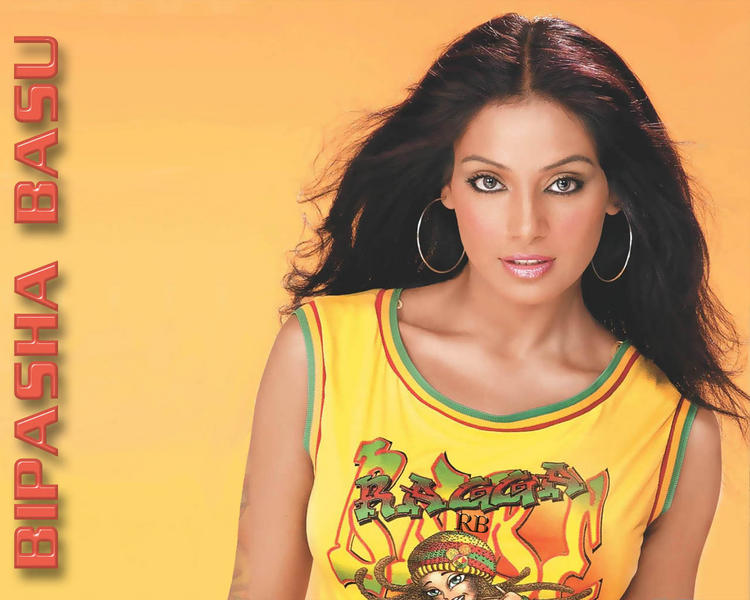 Sexiest Dress Bipasha Basu Wallpaper