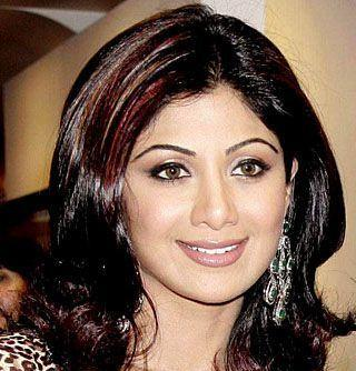 Shilpa Shetty Attractive And Beautiful Pics