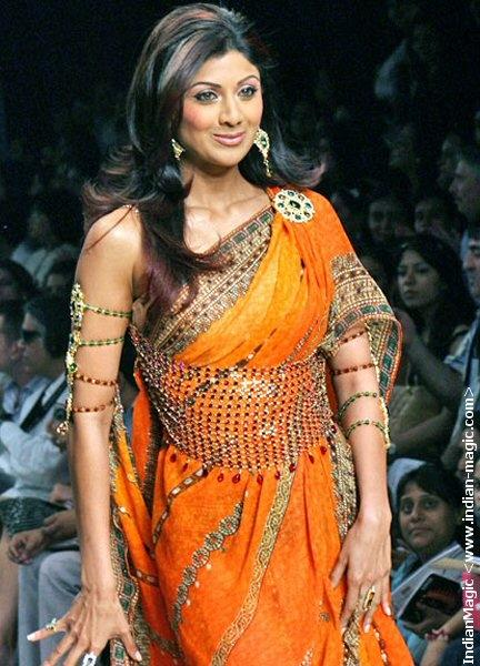 Shilpa Shetty In Orange Embarrasing Saree Nice Pics