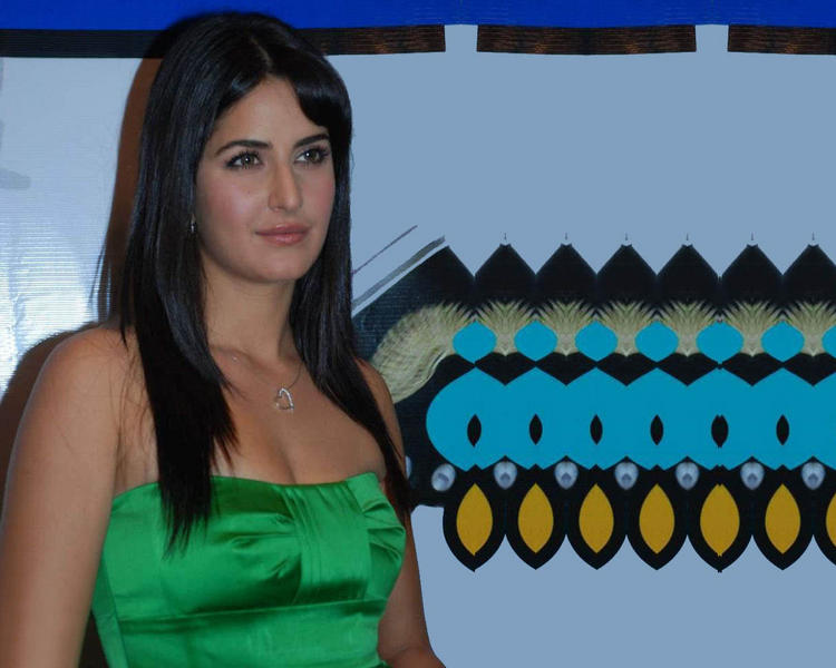 Katrina Kaif Open Boob Show Still In Green Dress
