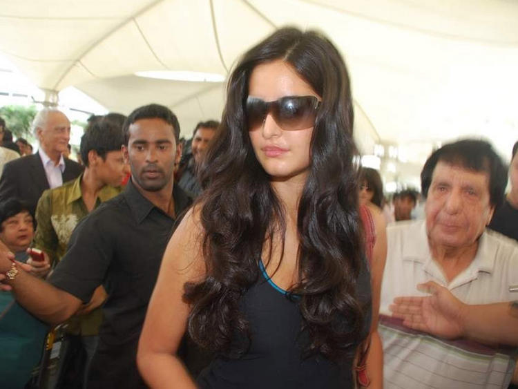 Katrina Kaif Stylist Image In Goggles