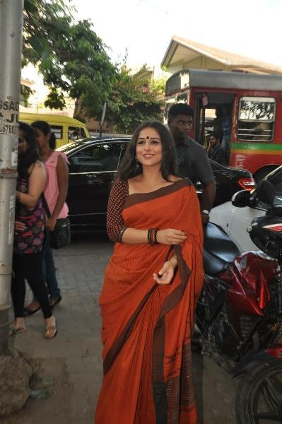 Vidya Balan Looking Very Beautiful In Saree