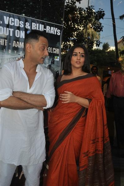 Vidya Balan In Saree At DVD Launch Of The Film Kahaani