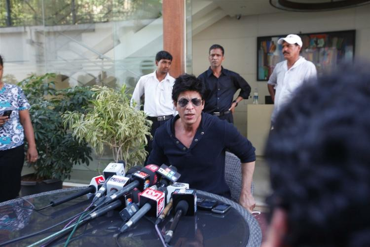 Shah Rukh Holds Press Conference