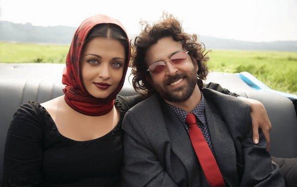 Guzarish Movie Hrithik and Aish Photo
