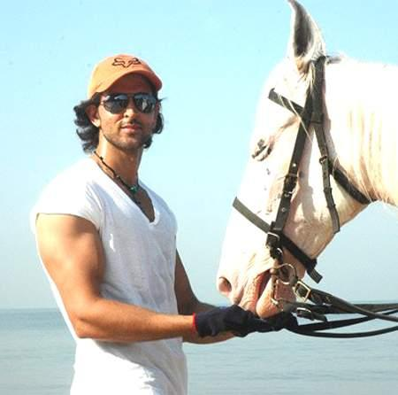 Hrithik Roshan Stylist Stunning Pic With Horse In Kites Movie