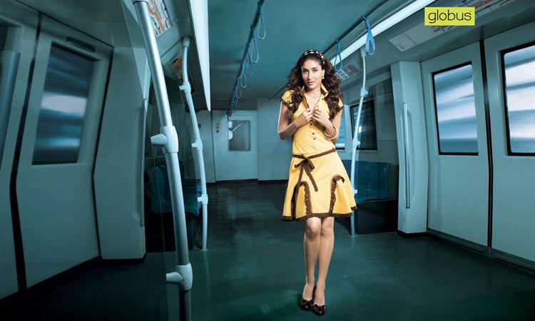 Kareena Kapoor Cute Dress Pic In Yellow Color