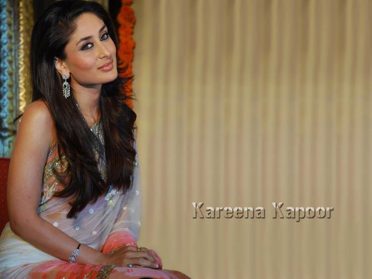 Kareena Kapoor Cute Pose In Saree