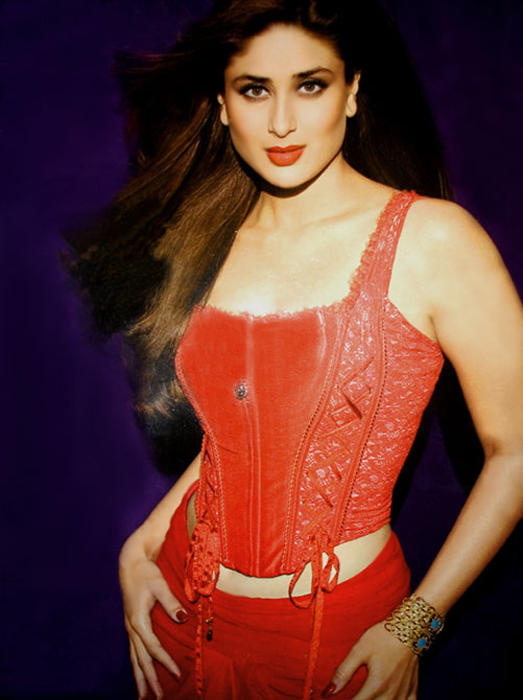 Kareena Kapoor In Red Dress Rocking Pic