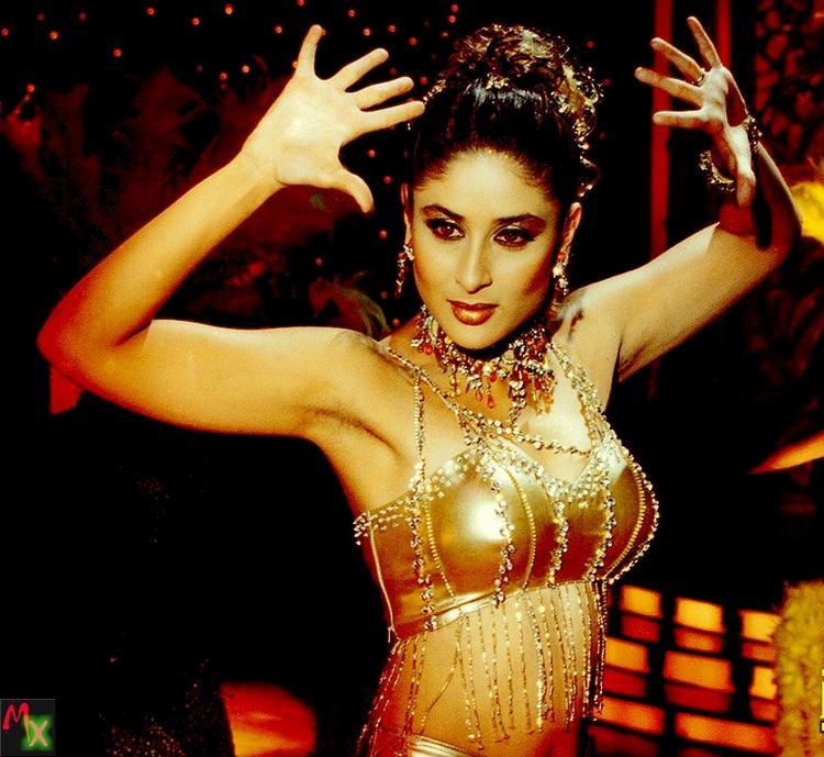 Kareena Kapoor Rocking Pose Pic