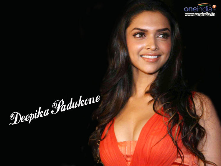 Deepika Padukone Deep Cleavages Exposing Wallpaper