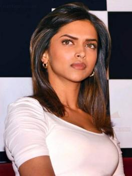 Deepika Padukone Shocked Face Look Pic