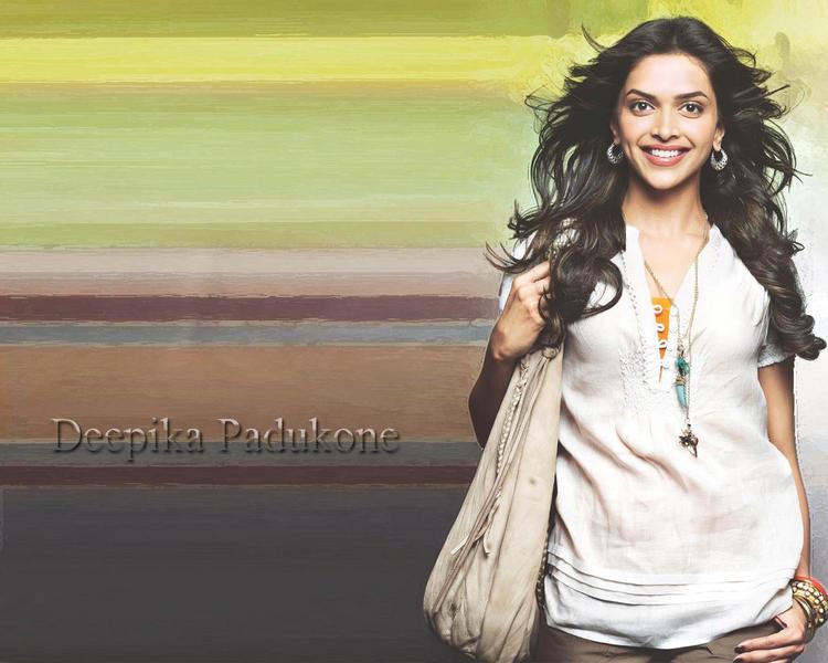 Deepika Padukone Sweet Glowing Face Look Wallpaper