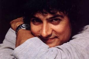 Aamir Khan Sexy Smile Pic