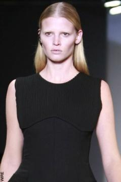 Lara Stone Shinning Face Look Still