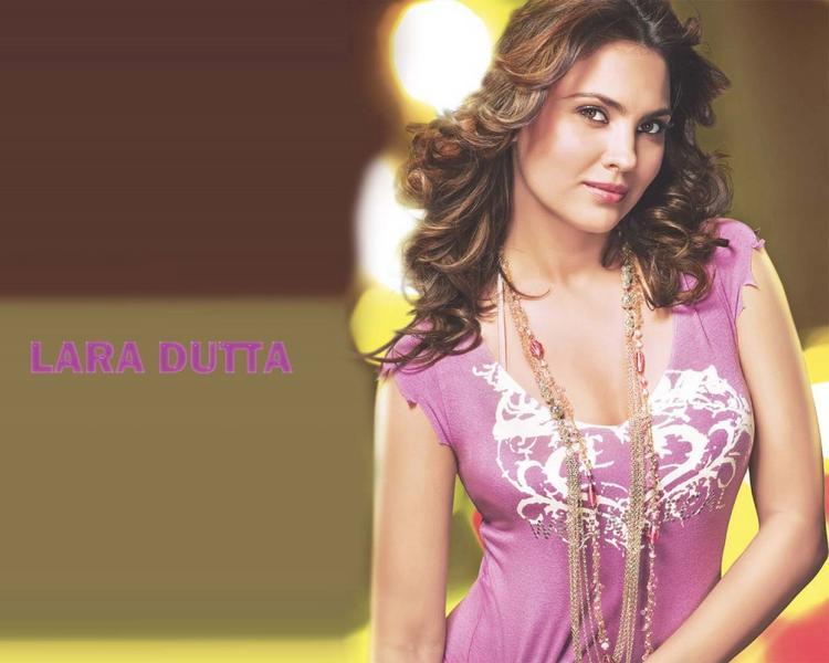 Lara Dutta Shinning Attractive Look Wallpaper