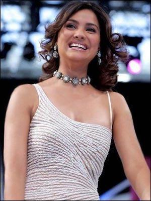 Lara Dutta Stylist Dress Sweet Pic