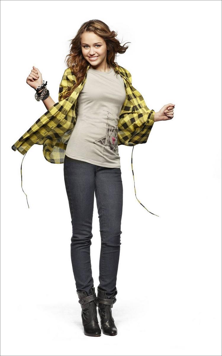 Miley Cyrus Cute Pose Photo Shoot