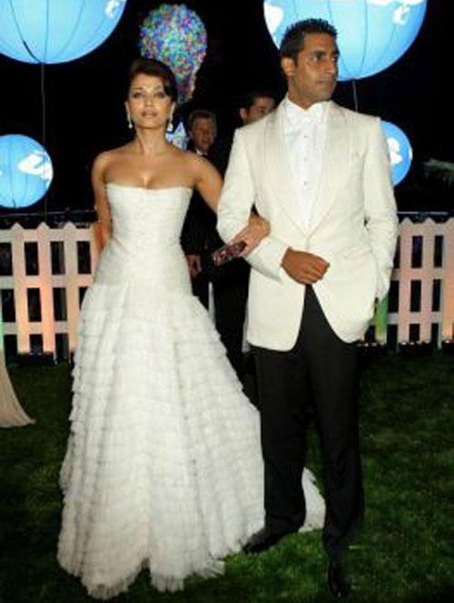 Abhishek Bachchan and Aishwarya Wonderful Still