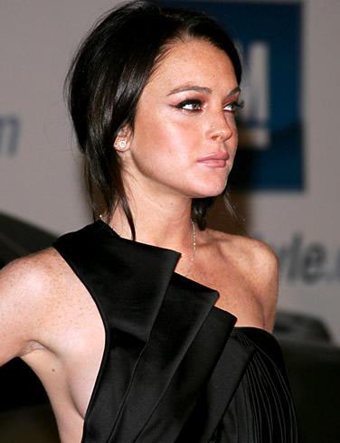 Lindsay Lohan in Amazing Black Dress Glamour Still
