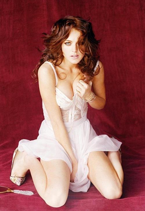 Lindsay Lohan Latest Sexy Pose Photo Shoot