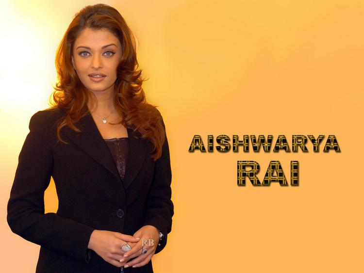 Charming Actress Aishwarya Rai Wallpaper