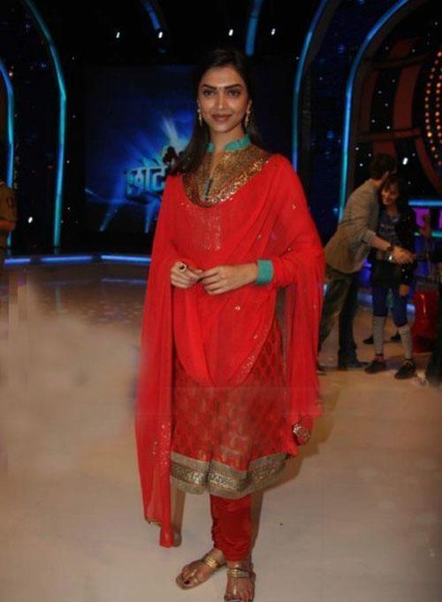 Deepika Padukone Beauty Still In Red Churidar