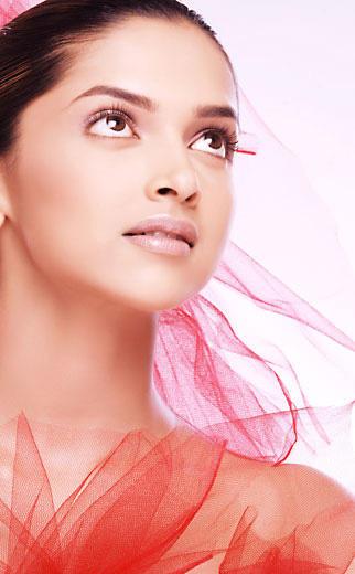 Deepika Padukone Cool Sizzling Look Still