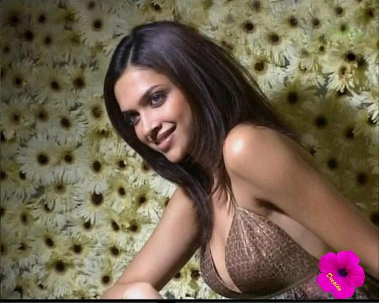 Deepika Padukone Sexy Breast Pictures