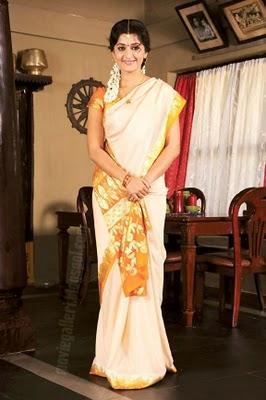 Anushka Looking Beautiful In Saree